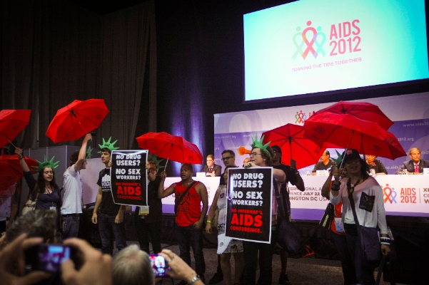 The XIX International AIDS Conference (AIDS 2012) in Washington, DC. Note the greater density of red umbrellas. (Photo by IAS/Deborah W. Campos)