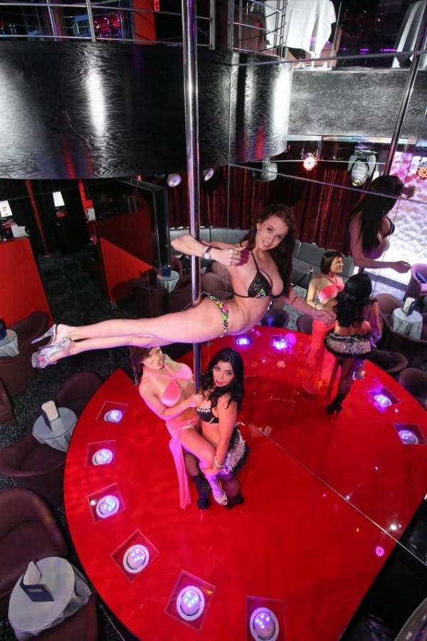 The 25 ft, record breaking (?) stripper pole in question at Vivid Cabaret (Photo by Jefferson Siegel/The New York Daily News)