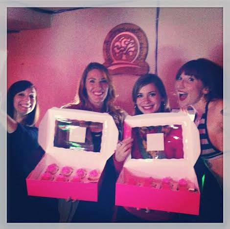 The author with Cupcake Girls Bri and Amy (Photo by