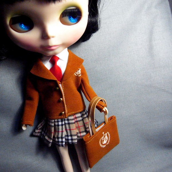 (Image via plasticdollheads.wordpress.com, courtesy of Gemma Ahearne)