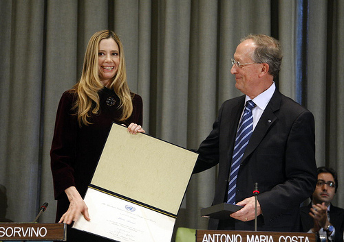 The Executive Director of the United Nations Office on Drugs and Crime announces Mira Sorvino as the Office's new Goodwill Ambassador in 2009. (Via the United Nations Photo Flickr account.)